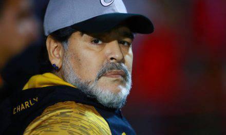 """Boca Juniors, Maradona accoglie De Rossi: """"Sarai come il miracolo di San Gennaro"""""""