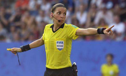 """Supercoppa Europea, l'arbitro Stephanie Frappart: """"Non ho paura, sono come un uomo"""""""