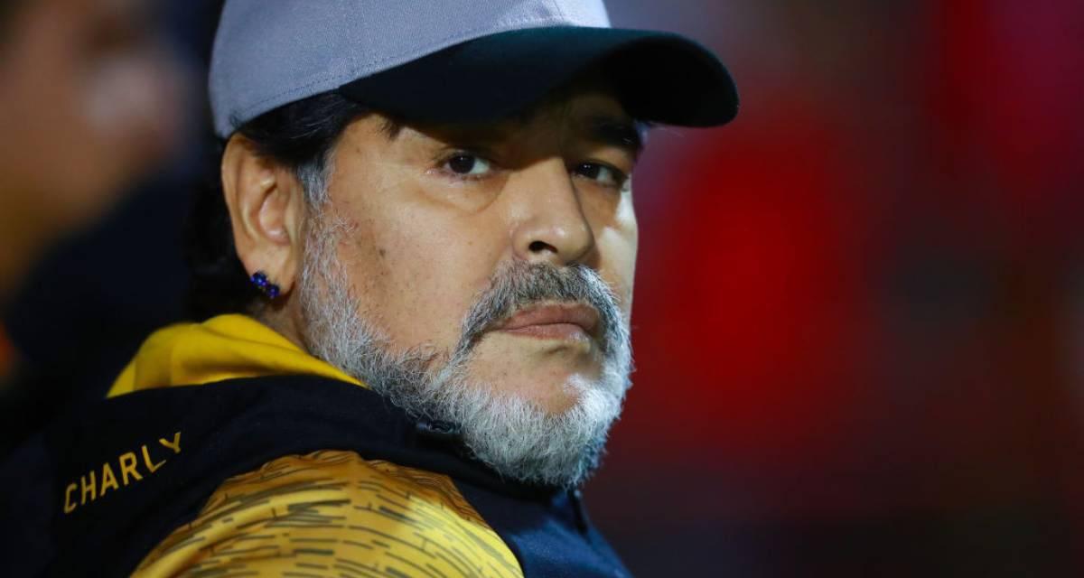 Maradona allenatore del Gimnasia: è ufficiale