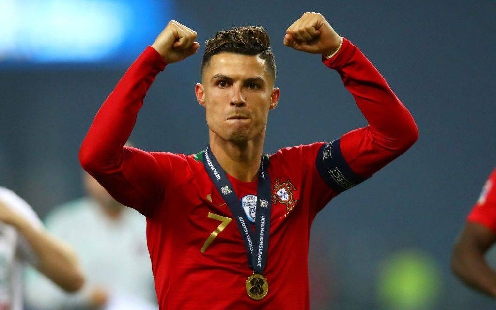 "La Juventus celebra Cristiano Ronaldo: ""Poker Face"". E lui sorride su Instagram"