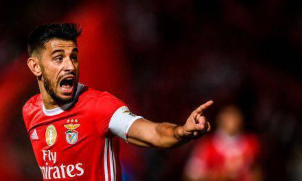 Benfica, addio ai ritiri: giocatori controllati col braccialetto elettronico