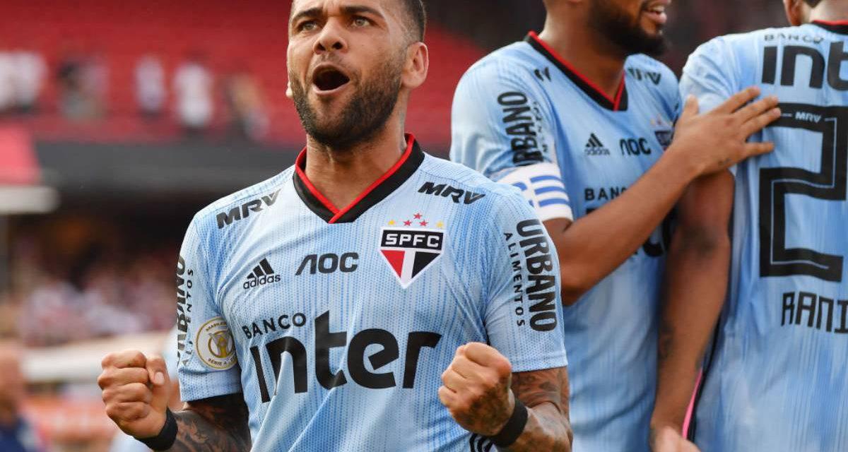 "Juventus, Dani Alves rivela: ""Vicino ai bianconeri in estate"""