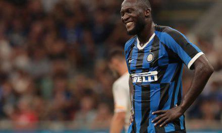 """Lukaku e i cori razzisti, la curva nord dell'Inter: """"Fanno parte del tifo"""""""