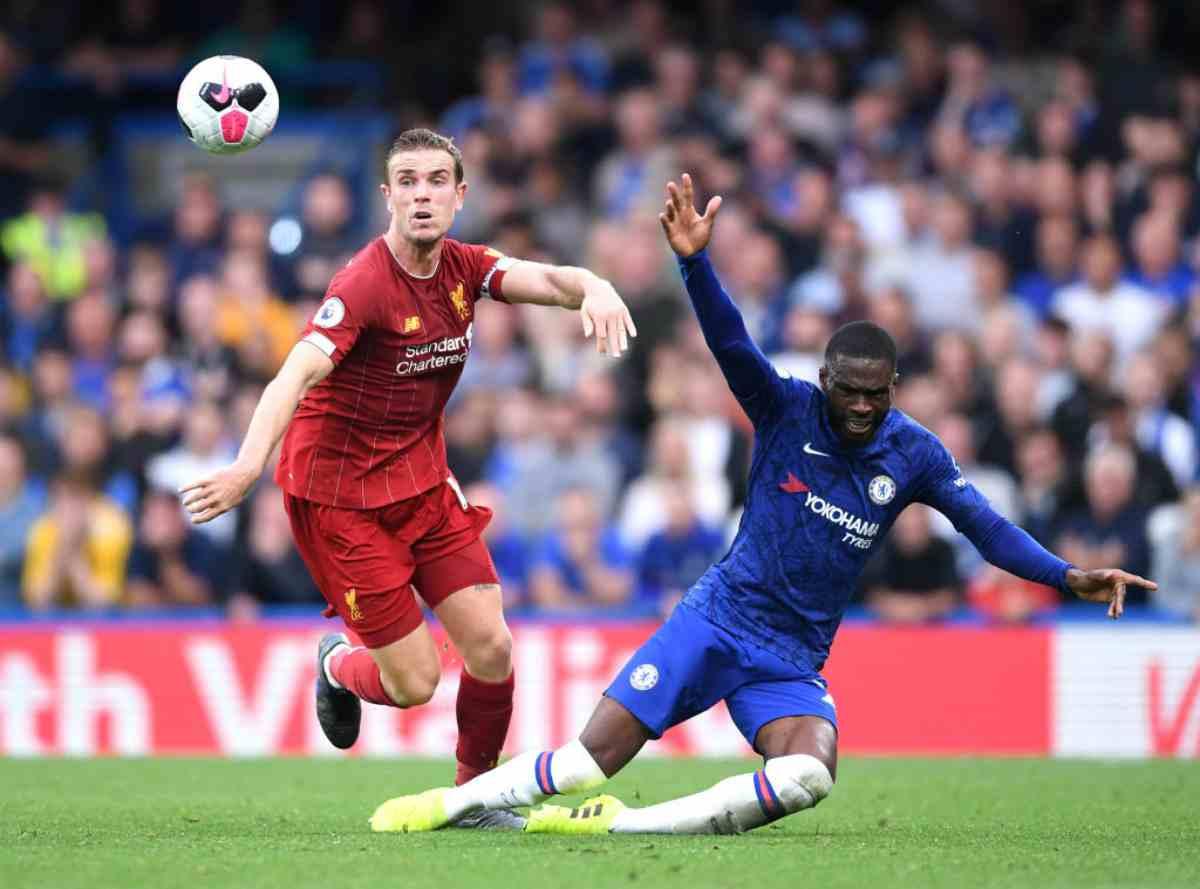 Il Liverpool batte il Chelsea e resta in testa