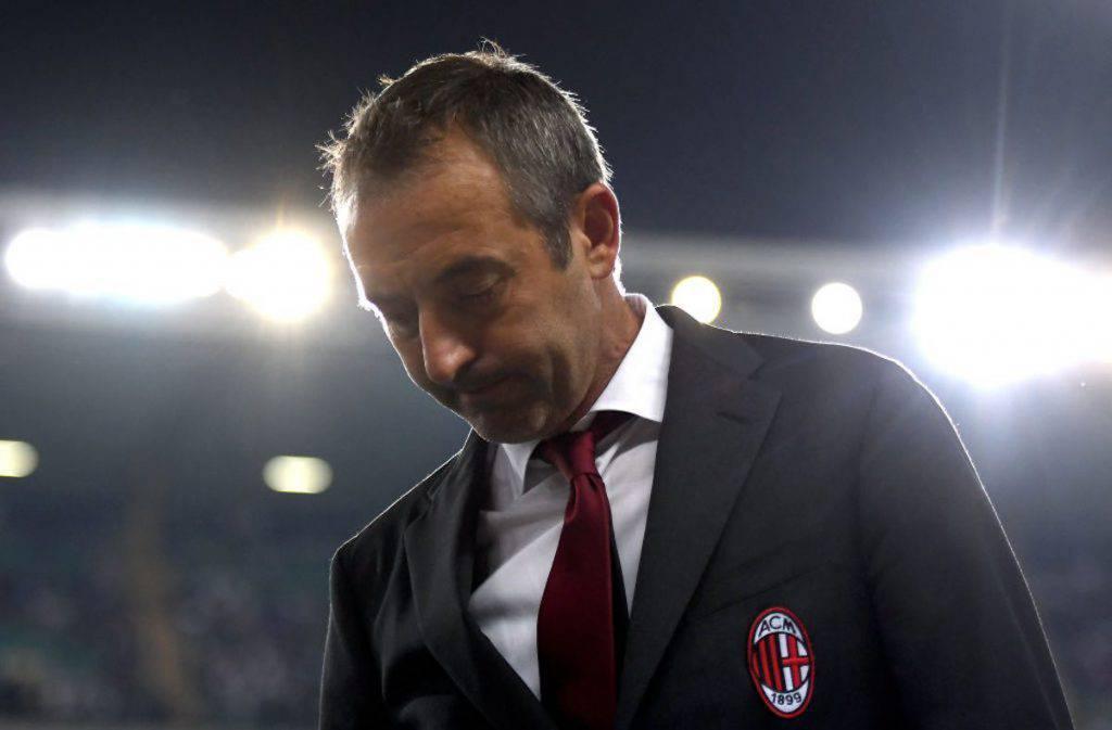 Tifosi Milan contro Giampaolo