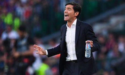 Valencia, Ufficiale Albert Celades. Sostituisce Marcelino esonerato