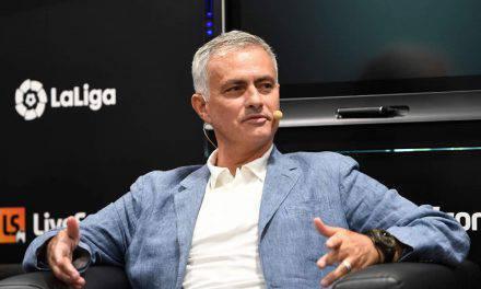 """Mourinho, messaggio al figlio di Amadeus: """"Spero potrai giocare nell'Inter"""""""