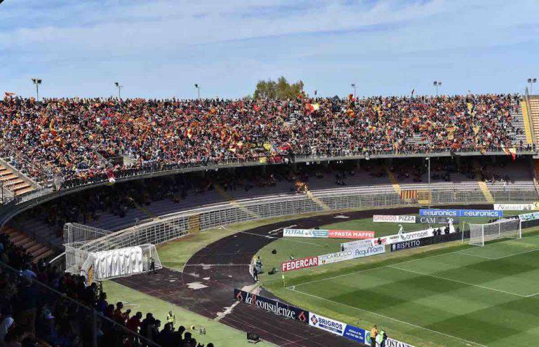 Lecce Napoli oggetti contro collaboratori Ancelotti