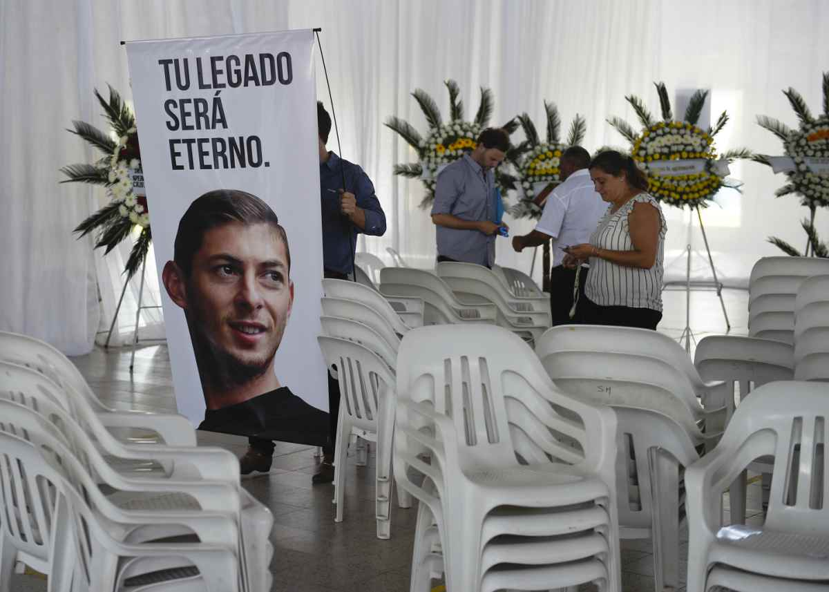 Emiliano Sala, oggi è un anno dalla sua morte. La famiglia vuole sapere la verità