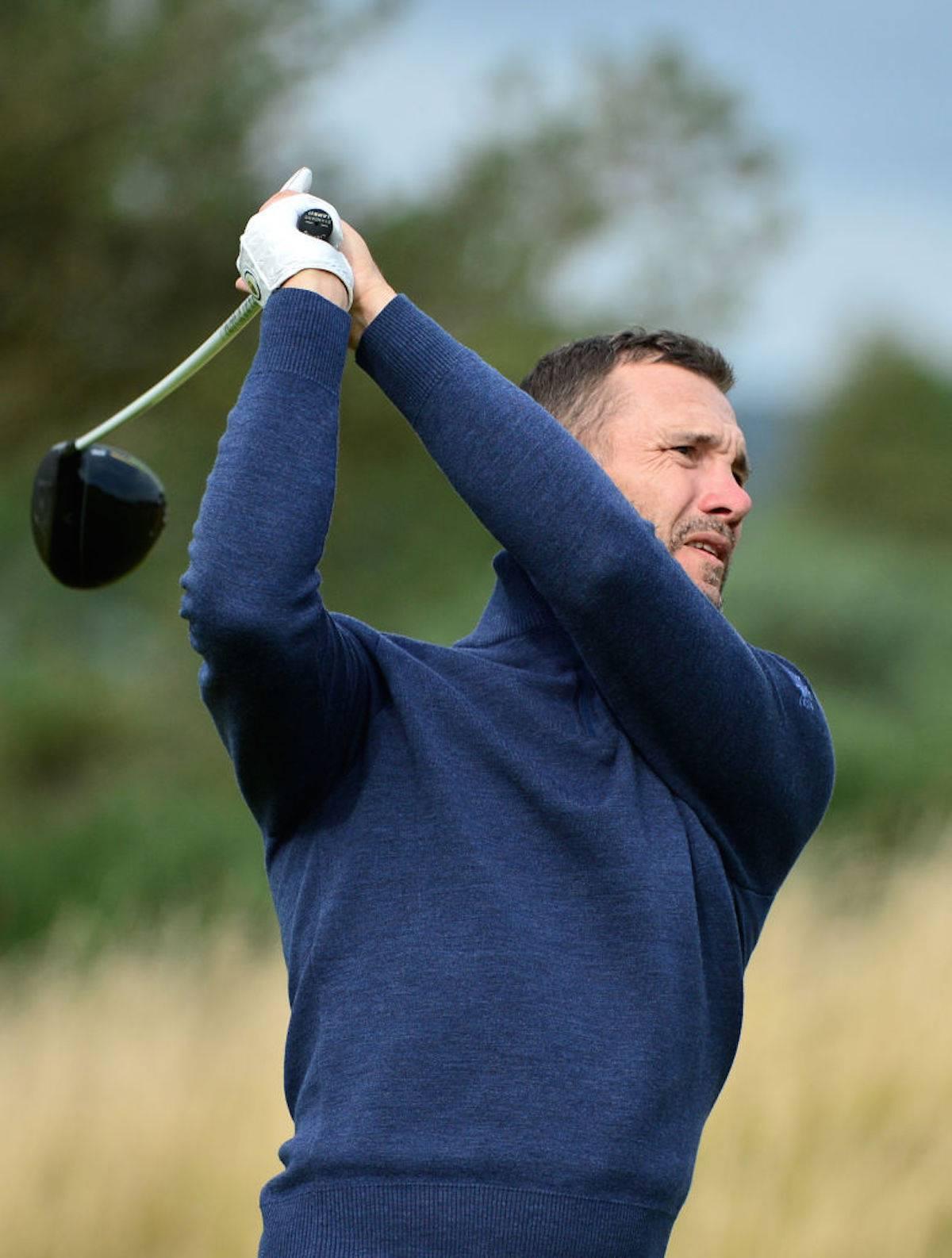 Andriy Shevchenko aspetta il Milan, e intanto gioca a golf