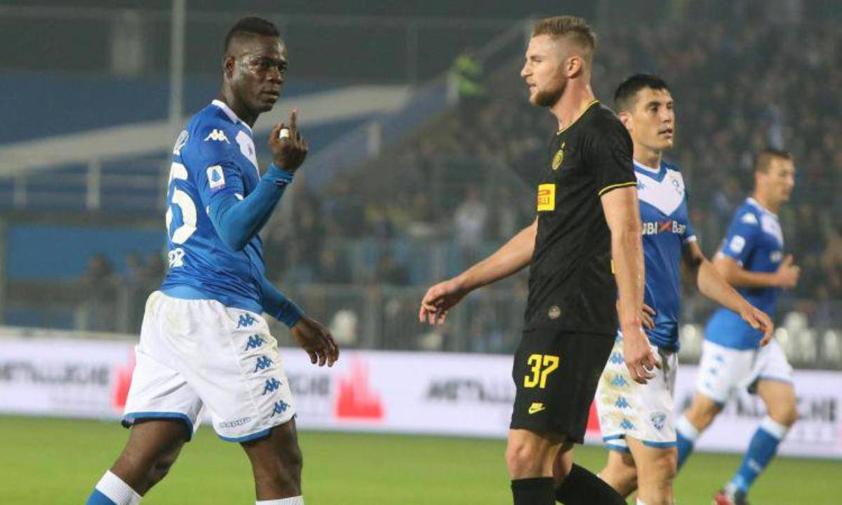 Balotelli dito medio tifosi Inter