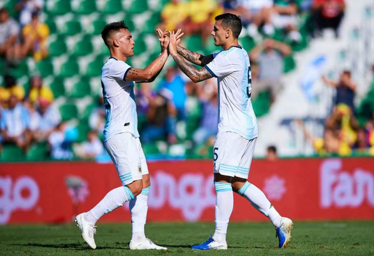 Argentina-Ecuador 6-1: segna Pezzella, Lautaro e Paredes discutono per un rigore