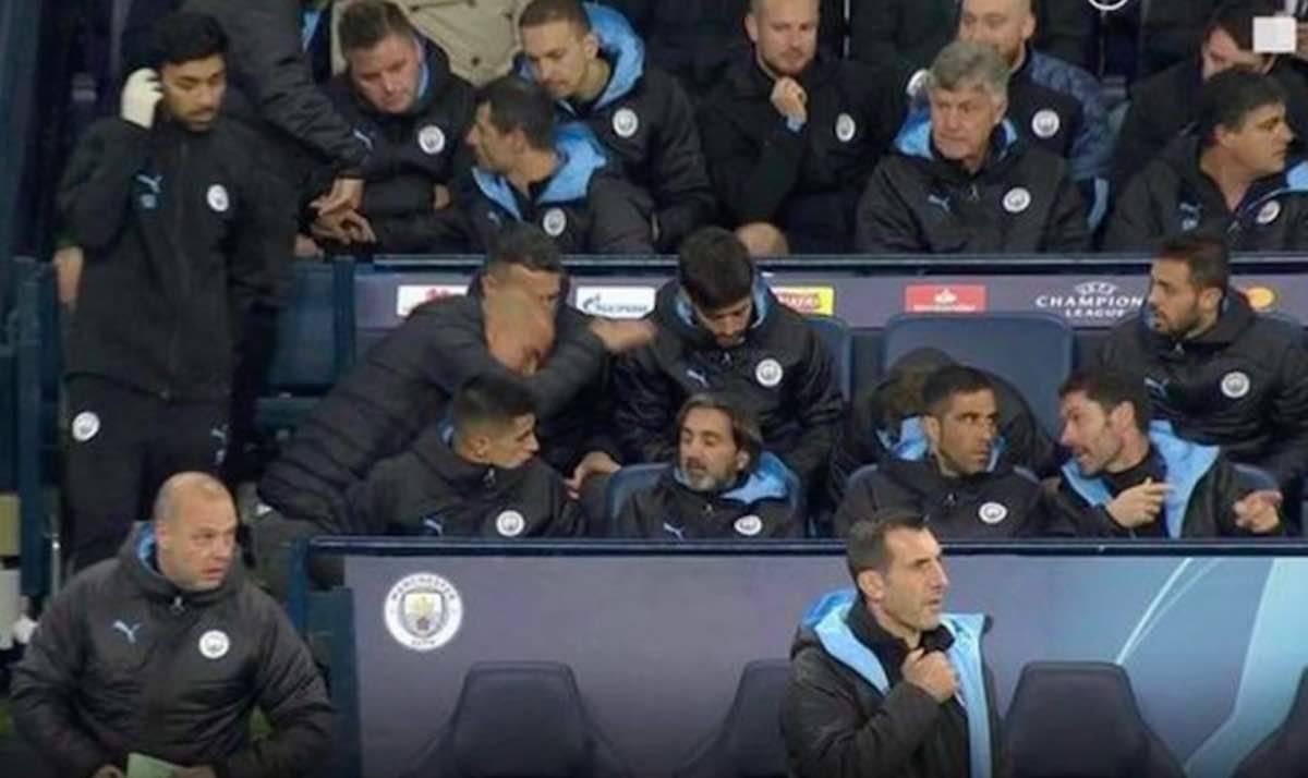 Guardiola furioso con Stones non pronto per il cambio