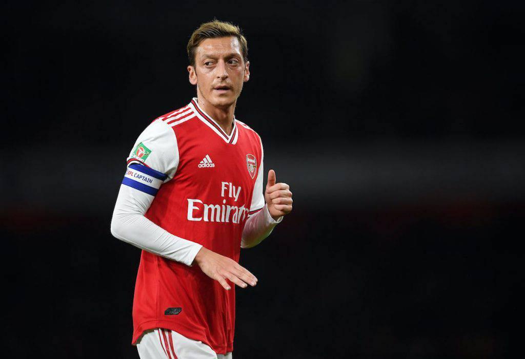 Ozil allontana il Milan