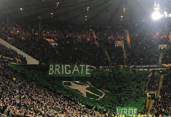 Tifosi del Celtic, striscione delle Brigate verdi