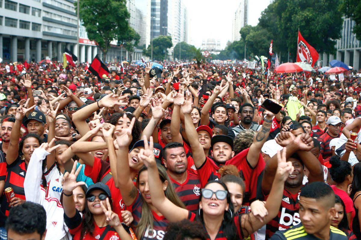 Flamengo, festeggiamenti a Rio per la Coppa Libertadores: immagini impressionanti