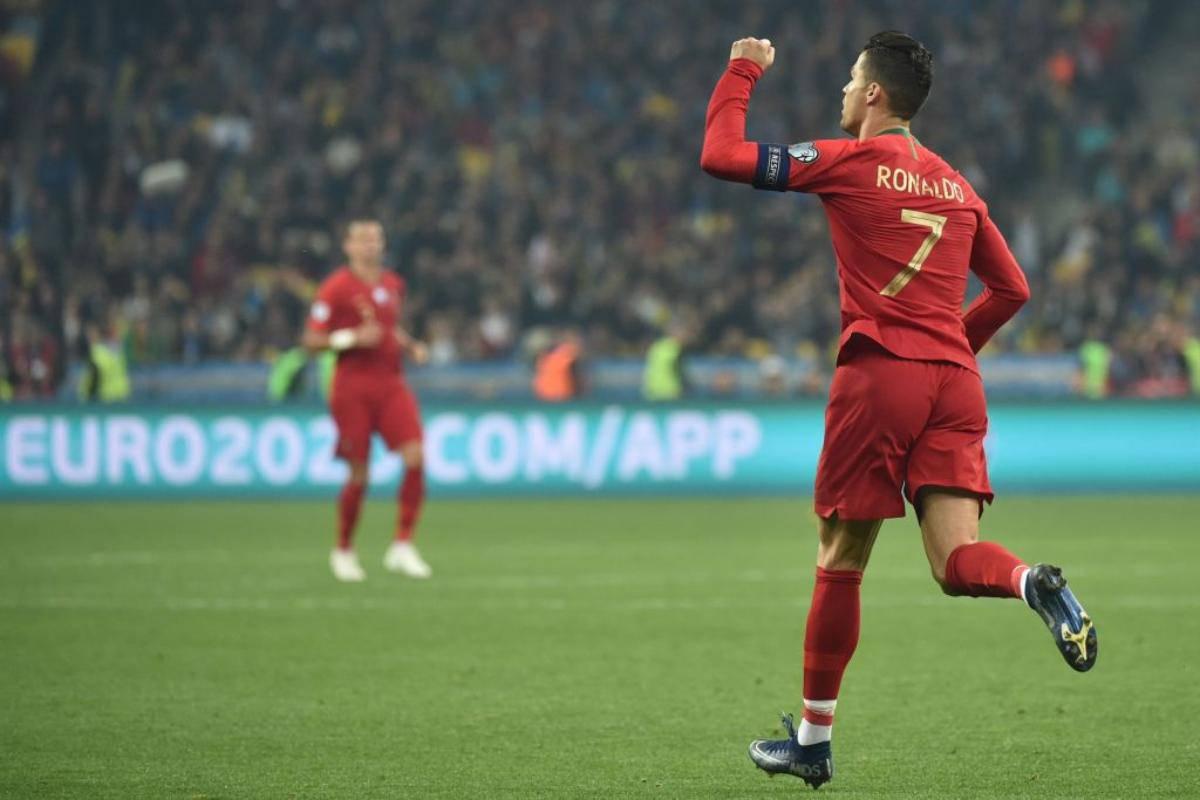 Cristiano Ronaldo, doppietta in Portogallo-Lituania (video)