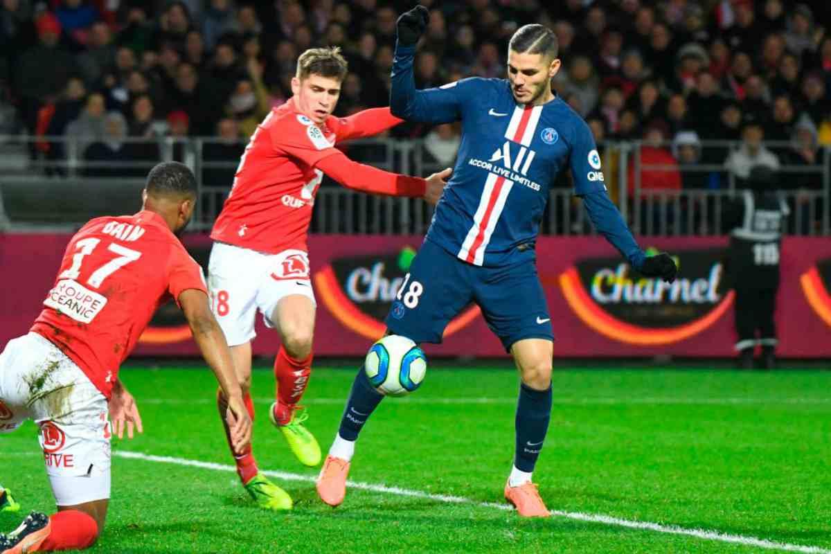 Ligue 1: il PSG si aggrappa a Icardi e batte il Brest