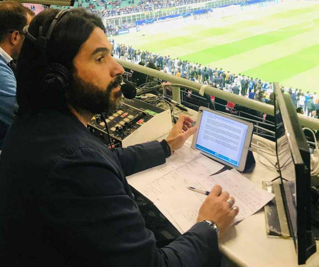 Il telecronista sorprende i fan durante la semifinale Euro 2020 (Getty Images)