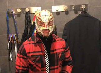 Rey Mysterio si congratula con Milinkovic Savic
