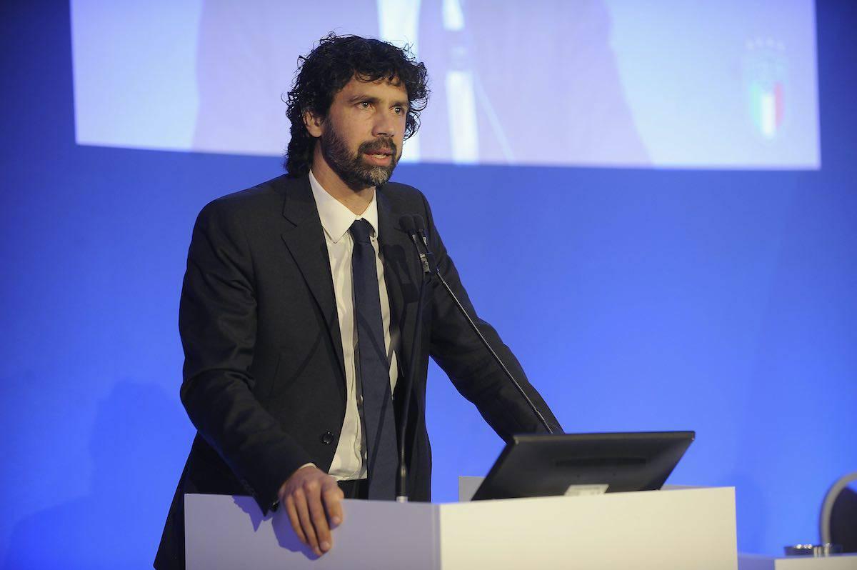 Damiano Tommasi stabilisce dei paletti per il ritorno della Serie A