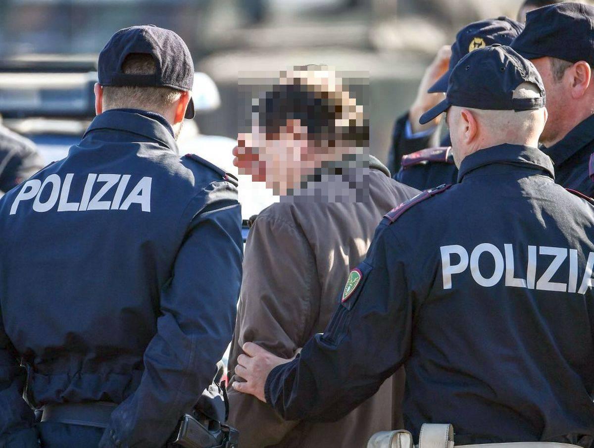 Calcioscommesse Lega Pro: tre arrestati. C'è anche un calciatore