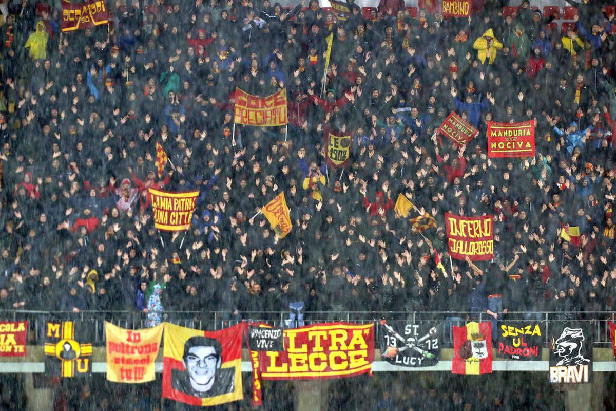 Lecce-Cagliari rinviata, tifosi pugliesi ospitano quelli sardi nelle loro case