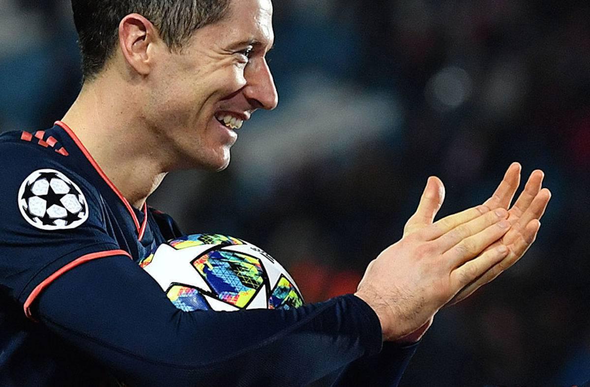 Lewandowski, 4 gol in 14 minuti: poker record in Champions. A novembre segnate 31 reti