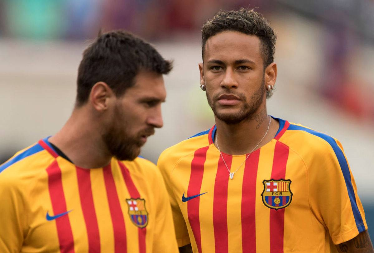 """Messi-Neymar, indiscrezione dalla Francia: """"Torna, io vado via e prenderai il mio posto"""""""