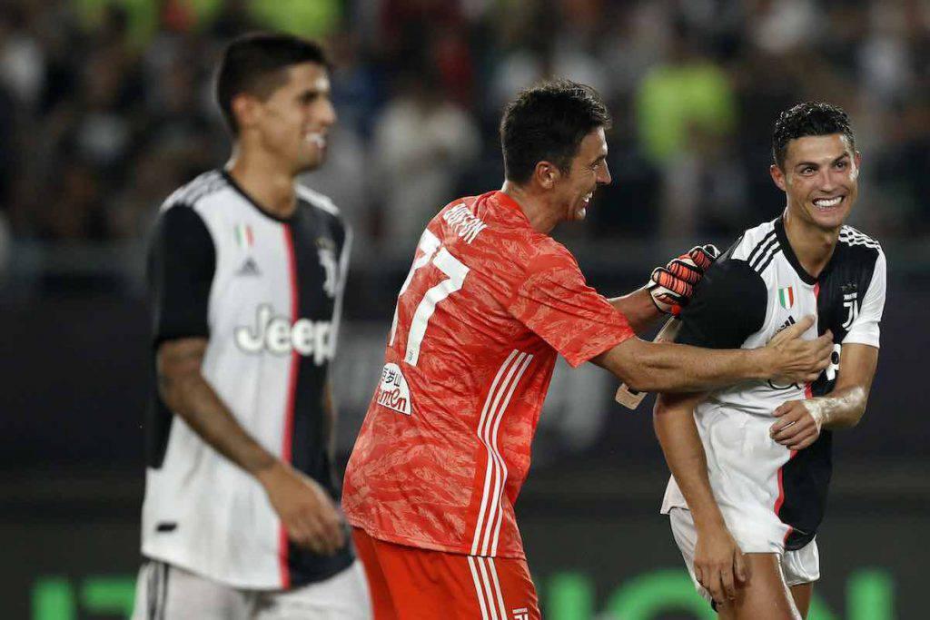 Buffon e Cristiano Ronaldo campioni di solidarietà