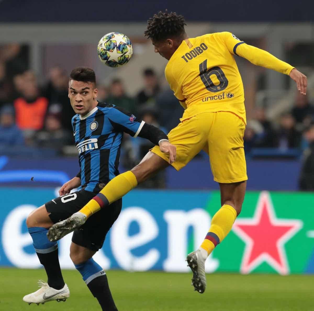 Calciomercato Milan, ottimismo per Tobido: ok del Barcellona, la richiesta del difensore