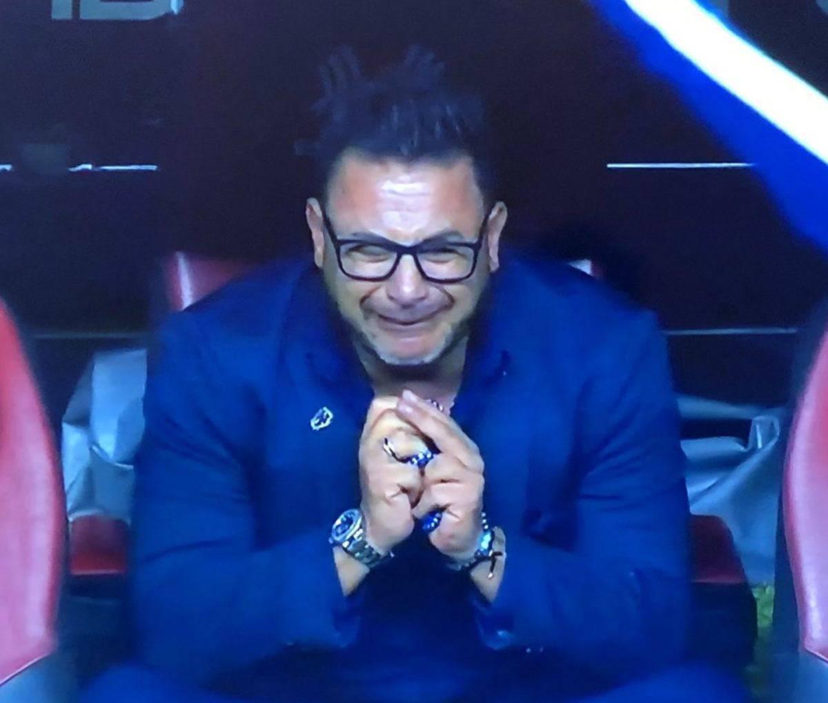 L'allenatore del Monterrey in lacrime dopo la vittoria dello scudetto. La dedica al figlio scomparso