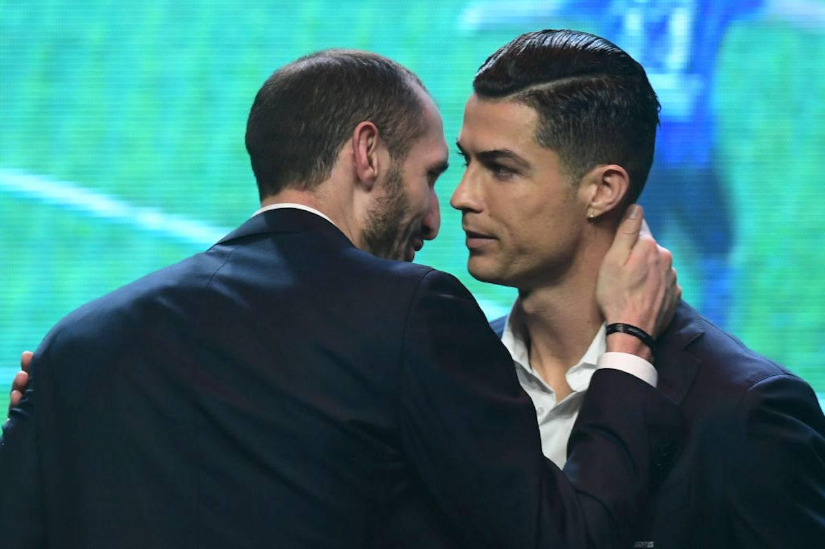 """Pallone d'Oro, Chiellini accusa: """"L'anno scorso il Real non lo ha fatto vincere a Ronaldo"""""""