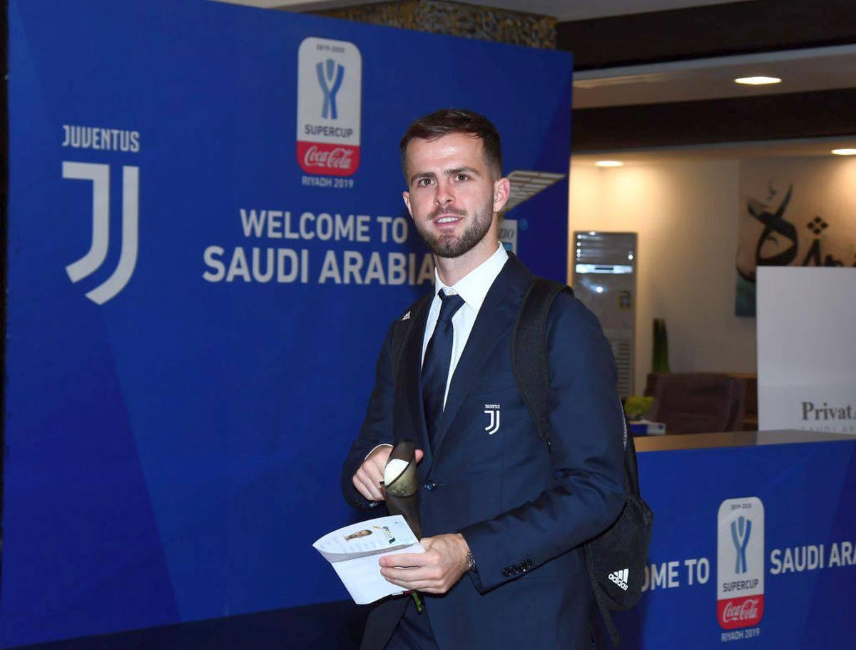Juventus, Pjanic critica Sarri: il suo messaggio sui social