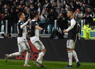 Juventus-Cagliari 4-0, tripletta di Cristiano Ronaldo e gol di Higuain: bianconeri primi