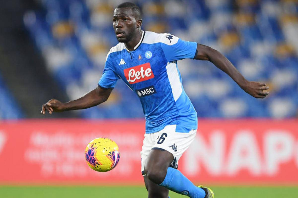 Koulibaly, Mourinho lo vuole al Tottenham