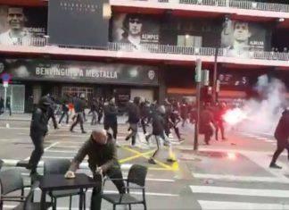 Liga, scontri prima di Valencia-Barcellona: guerriglia urbana. Indagini in corso | VIDEO
