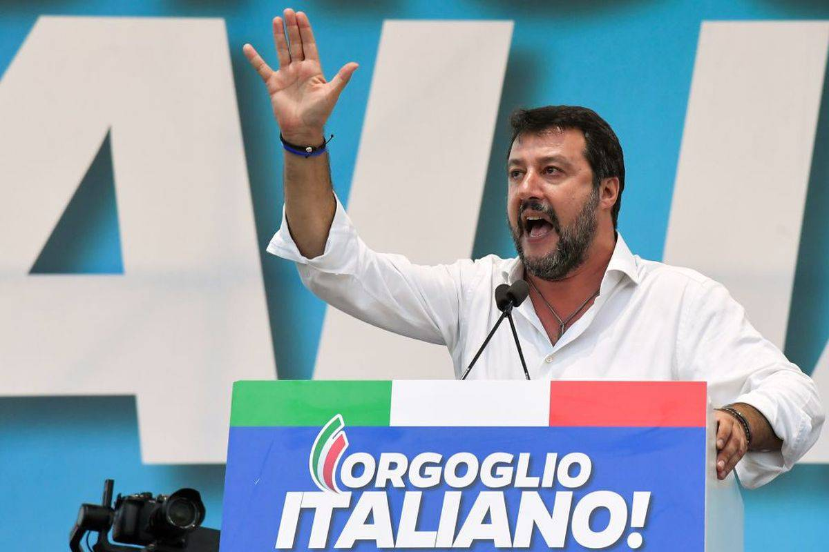 """Regionali Emilia Romagna, Mihajlovic sta con Salvini: """"Tifo per lui"""""""