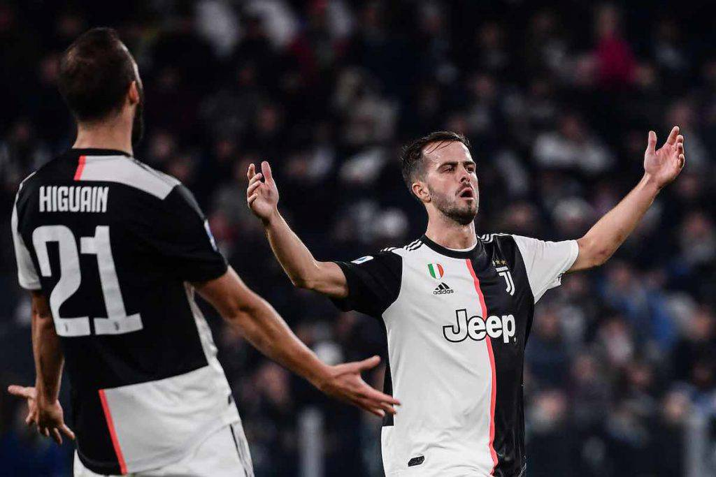 Pjanic saluta la Juventus su Instagram (Getty Images)