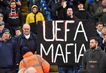 Manchester City, i tifosi contestano la UEFA: cori e striscioni all'Etihad