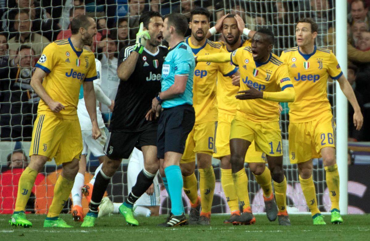 Champions League, Oliver per Atalanta-Valencia. L'arbitro che fece infuriare Buffon