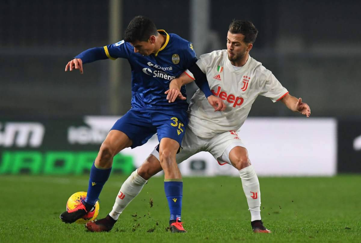 Verona-Juventus 2-1, Ronaldo illude. Borini e Pazzini ribaltano i bianconeri