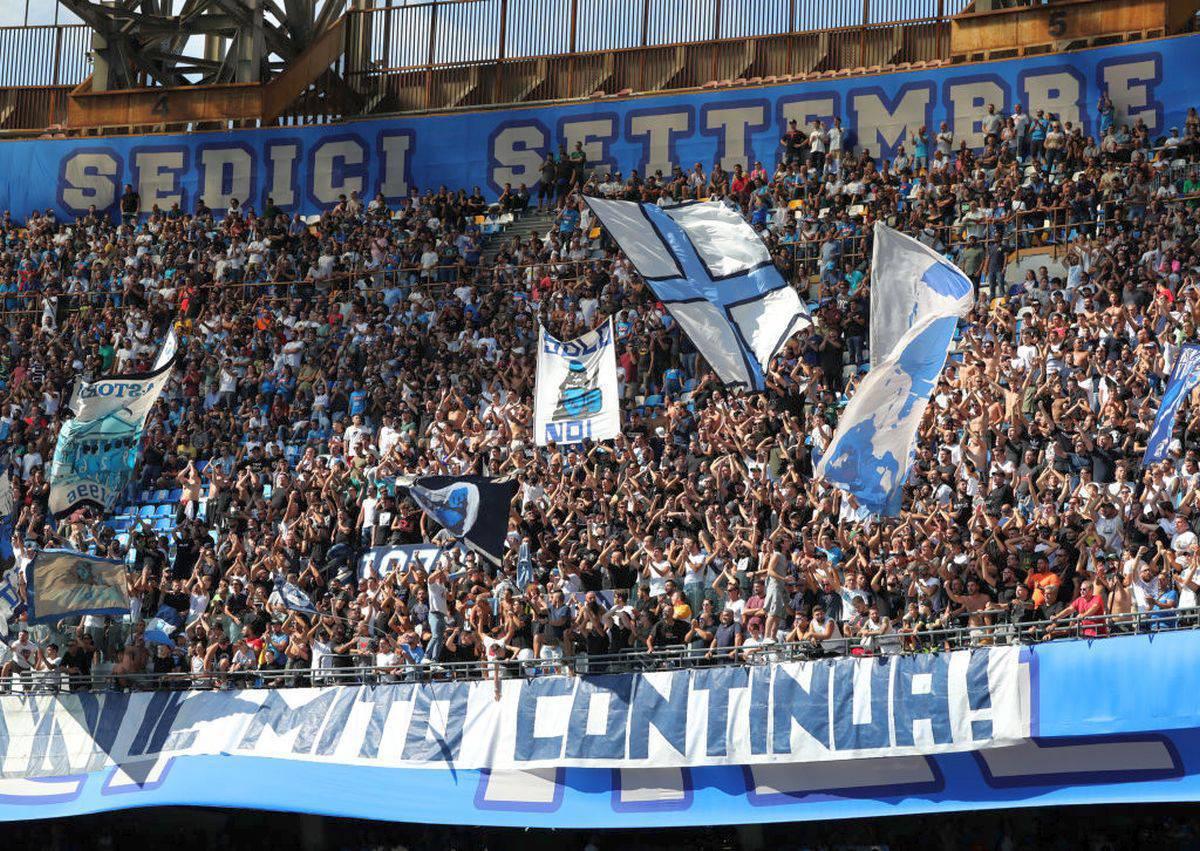 Napoli-Barcellona, altro che caro-prezzi: assalto dei tifosi per i biglietti