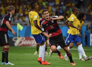 Brasile-Germania, vendute le reti per beneficenza