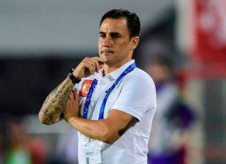 Cannavaro in bici a Guangzhou, messaggio di speranza all'Italia - Video