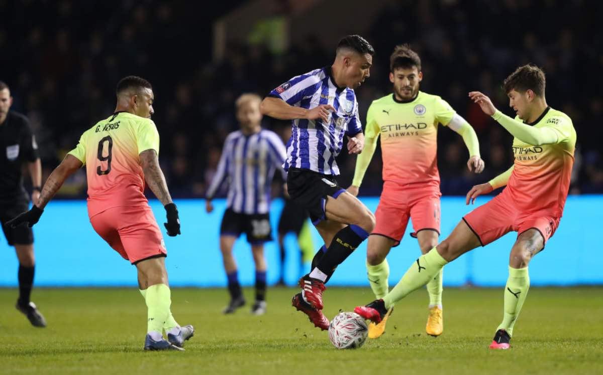 FA Cup, Manchester City ai quarti con Aguero. Tottenham out ai rigori