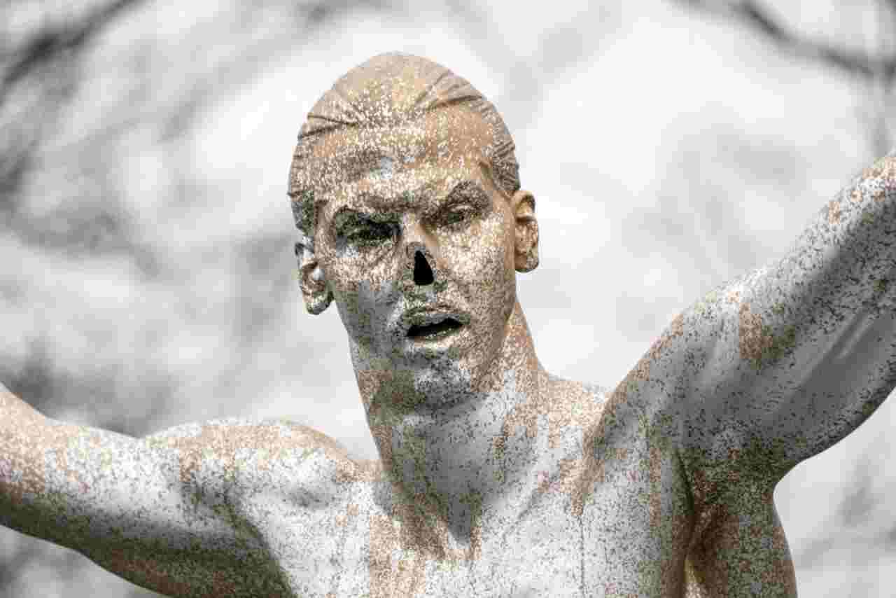 Ibrahimovic, naso rubato alla statua: risolto il mistero