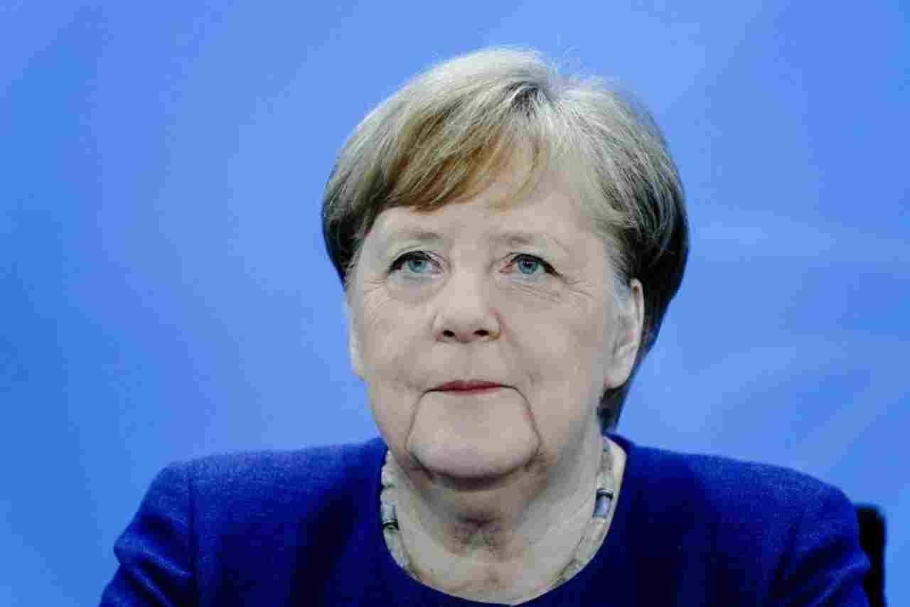 Bundesliga, lo staff della Merkel: