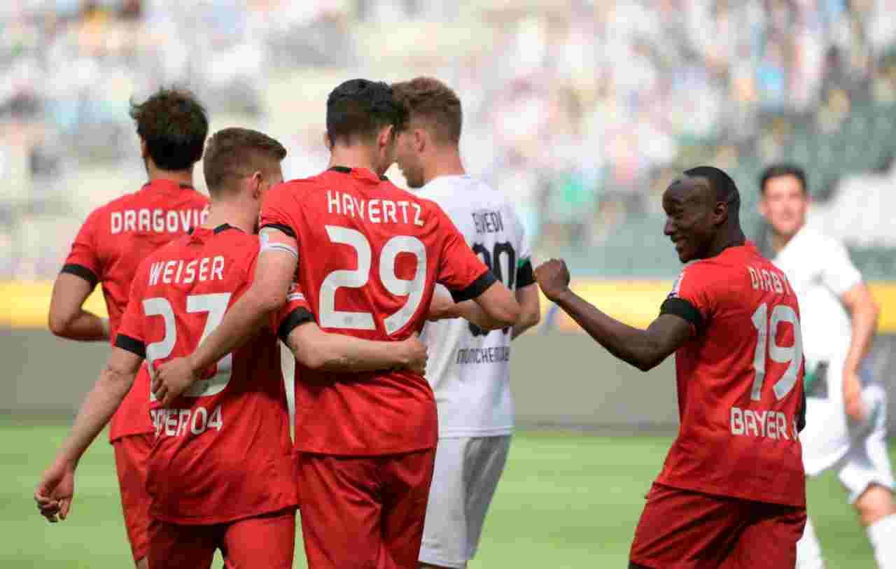 Bundesliga, ancora abbracci dopo i gol - FOTO