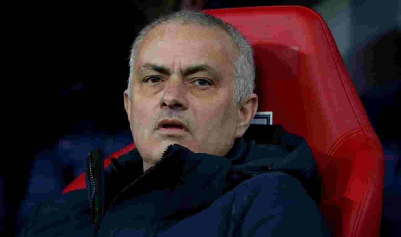 """Premier League, Mourinho: """"O giochiamo, o guardiamo la Bundesliga"""""""